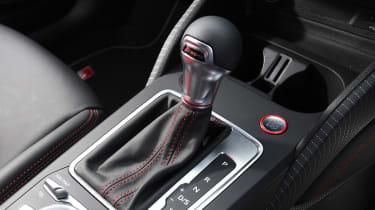 Audi SQ2 - Gear Lever