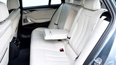 BMW 530d Touring - rear seats