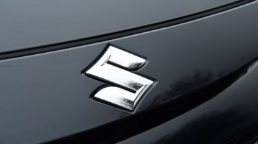Suzuki Swace - badge