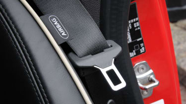 MINI Roadster seatbelt