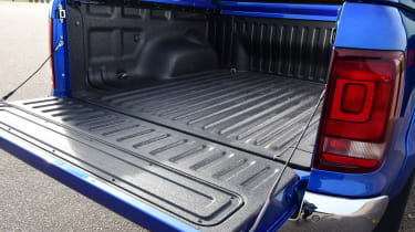 vw amarok truck bed