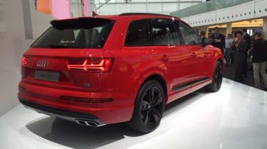 Audi SQ7 red - rear quarter