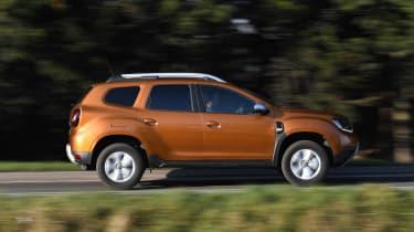 Dacia Duster - side