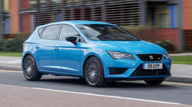 SEAT Leon Cupra 290 2016 UK - front tracking 3
