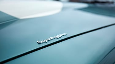 Aston Martin DB4 GT - badge