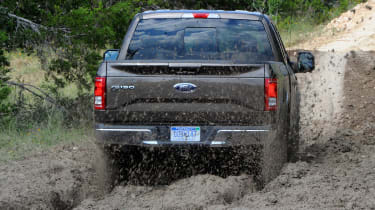 Ford F-150 - rear tracking off road grey