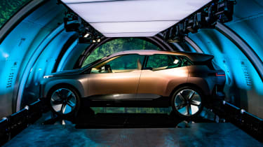 BMW Vision iNEXT concept - plane side