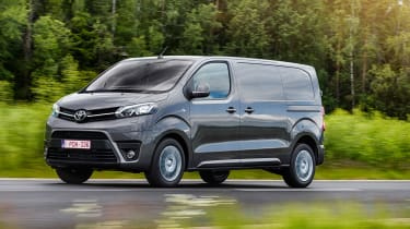 Toyota Proace - tracking left side
