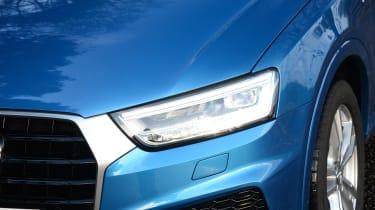 Audi Q3 - front light