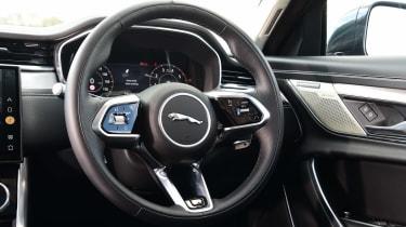 Jaguar XF P250 - steering wheel