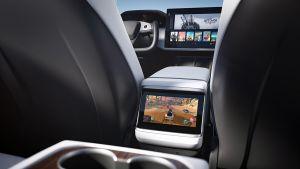 Tesla Model S facelift - rear media