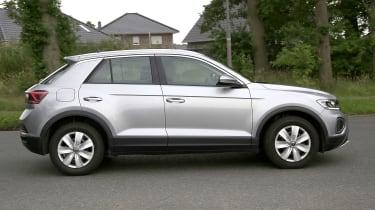 Volkswagen T-Roc - spyshot 5