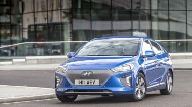 Hyundai IONIQ EV 2016 UK - front quarter