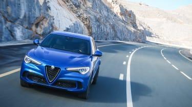 Alfa Romeo Stelvio Quadrifoglio  tracking front