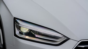 Audi A5 Coupe 2.0 TDI - front light detail
