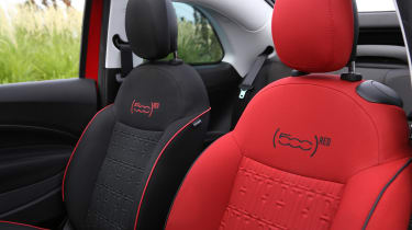Fiat 500(RED) - seats