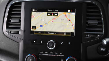 Renault Megane R.S. Trophy-R - navigation