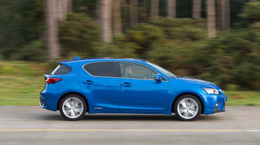 Lexus CT 200h - side