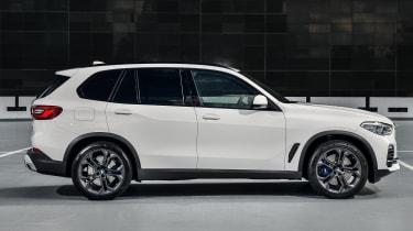 BMW X5 - Side