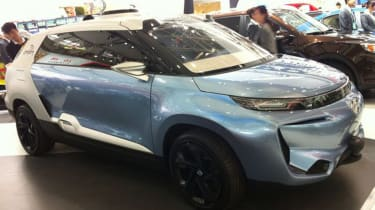 Not dissimilar to the Range Rover Evoque's slightly less gifted big sister, this concept features gullwing doors and, apparently, autonomous driving. It's heading for production.