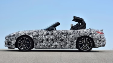 BMW Z4 prototype - roof closing