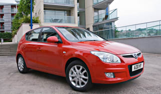 Hyundai i30 Hatchback front three-quarters