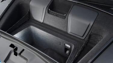 Audi R8 - boot