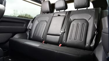 Land Rover Defender 90 D250 - rear seats