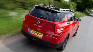 SsangYong Tivoli XLV 2016 UK - rear tracking