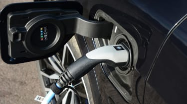 BMW X5 xDrive45e - plugged-in