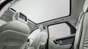 Land Rover Discovery Sport sunroof
