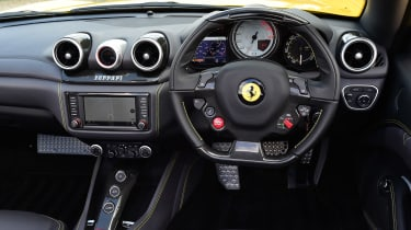 Ferrari California T Handling Speciale - dash