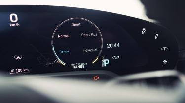 Porsche Taycan - dials detail