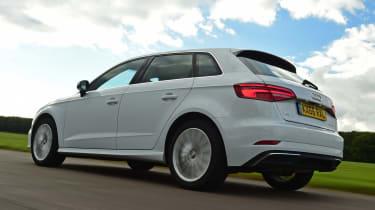 Audi A3 e-tron - rear tracking