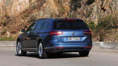 Volkswagen Passat Estate rear cornering