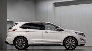 Ford Edge Vignale - studio side