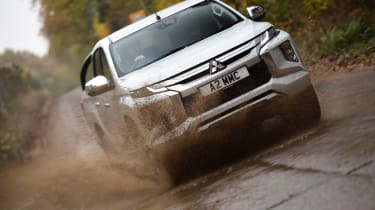 Mitsubishi L200 water splash