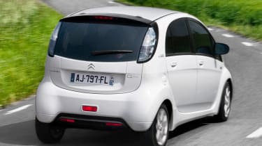 Citroen C-Zero rear tracking