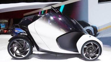 Toyota i-Tril concept Geneva show - side