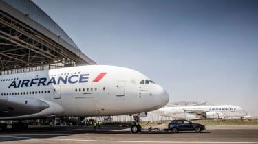 Porsche Cayenne pulls Airbus A380 - hangar