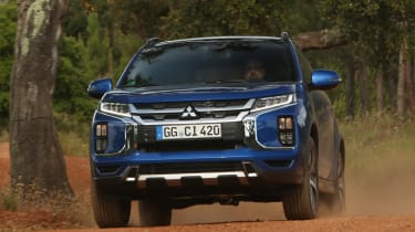 Mitsubishi ASX - full front off-road