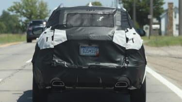 Jeep Cherokee 2018 facelift spy shots 3