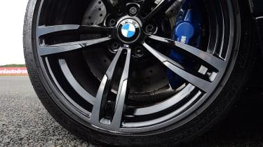 BMW M4 - wheel