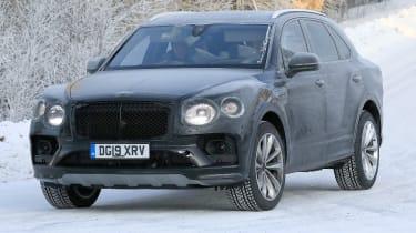 Bentley Bentayga - spies - front 3/4 tracking