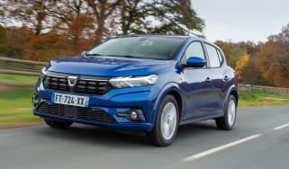Dacia Sandero 2021 - front tracking