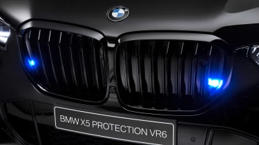 BMW X5 Protection VR6 - grille lights
