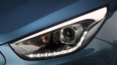 Hyundai ix35 Premium SE headlight