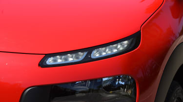 Citroen C4 Cactus review - headlight