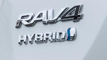 Toyota RAV4 Hybrid UK 2016 - badge