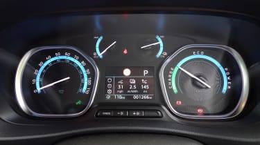 Peugeot e-Expert - dials
